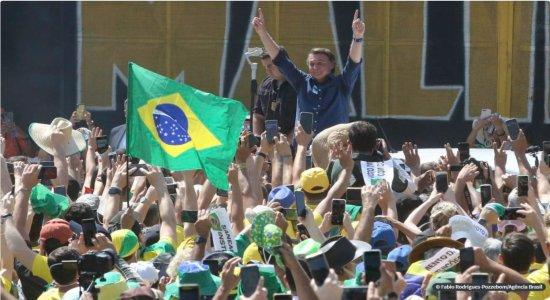 Presidente Jair Bolsonaro participa de manifestação pró-governo em Brasília