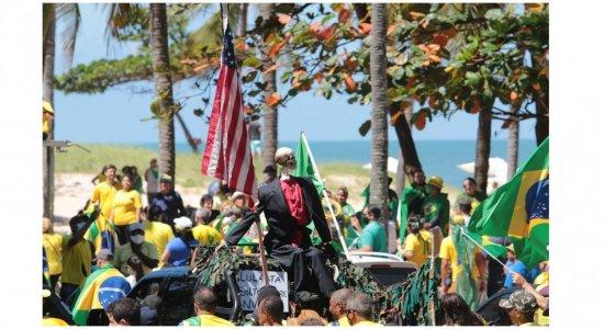 Confira mais imagens e vídeos do Ato pró-Bolsonaro em Boa Viagem, na Zona Sul do Recife