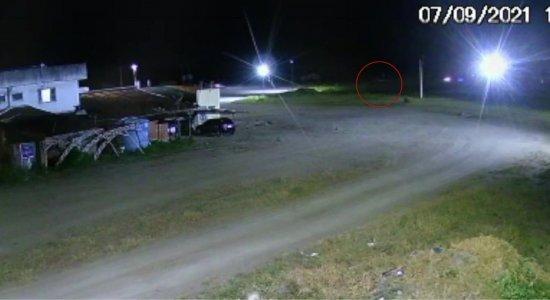 Vídeo mostra momento do acidente que deixou três pessoas mortas na BR-232, no Agreste de Pernambuco