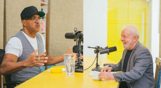 No podcast Mano a Mano, o rapper Mano Brown entrevista o ex-presidente Lula