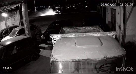 Vídeo: carro em que estava influenciadora Ana Karoline, de 21 anos, capota na BR-232