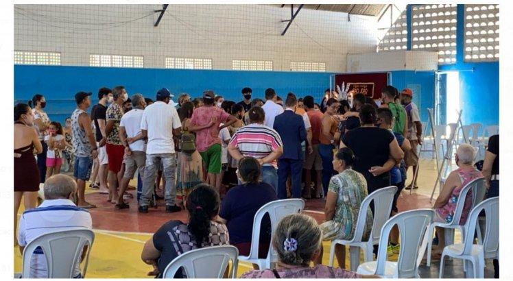 Velório aconteceu na tarde desta quarta-feira (8), em quadra poliesportiva do município de Pombos.