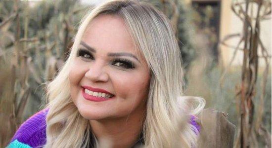 Cantora gospel Amanda Ferrari revela traição e ameaças de ex-marido