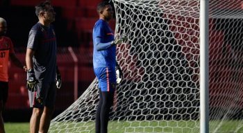 Preparador de goleiro do Sport, Jorcey Anisio, é o responsável pelo crescimento de Maílson