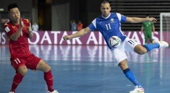 Brasil estreou na Copa do Mundo FIFA de Futsal contra o Vietnã, na Lituânia