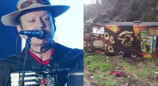 Vocalista da banda Garotos de Ouro morre após acidente com ônibus que dirigia em Santa Catarina