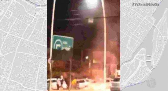 Princípio de protesto interdita via de Porto de Galinhas, no Litoral Sul de Pernambuco, e provoca tumulto