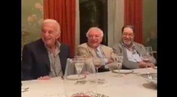 Após ajudar Bolsonaro, Michel Temer aparece em vídeo rindo de imitação do presidente.