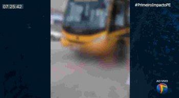 Homem de 57 anos morreu atropelado por ônibus escolar em Lajedo, Agreste de Pernambuco.