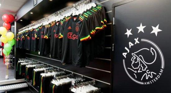 Liga dos Campeões: Por que UEFA exigiu e qual foi a mudança no uniforme do Ajax em homenagem à Bob Marley?
