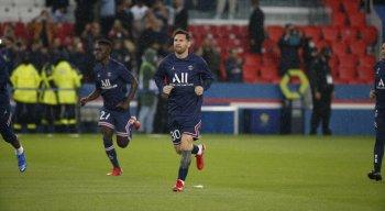 Messi joga pela primeira vez no Parque dos Príncipes, que é o estádio do PSG