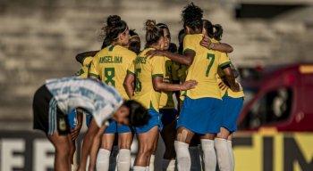 Seleção Brasileira Feminina enfrenta a Argentina em jogo preparatório no Estádio Amigão, em Campina Grande