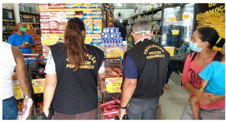 Fiscalização do Procon-PE autua três supermercados na Zona Norte do Recife