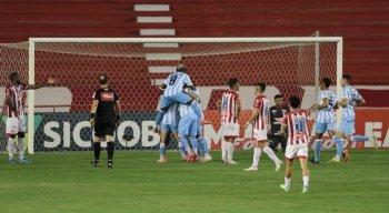 Náutico perde para o Londrina nos Aflitos e só tem uma vitória nos últimos 12 jogos na Série B