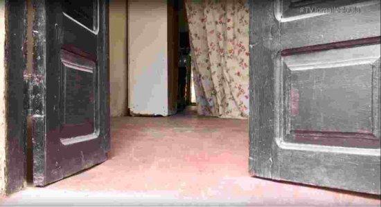 Filho mata própria mãe a facadas dentro da casa que moravam em Caruaru