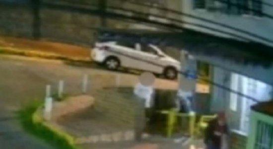 Vídeo: Idosos são assaltados e agredidos em bar em Cajueiro, Zona Norte do Recife