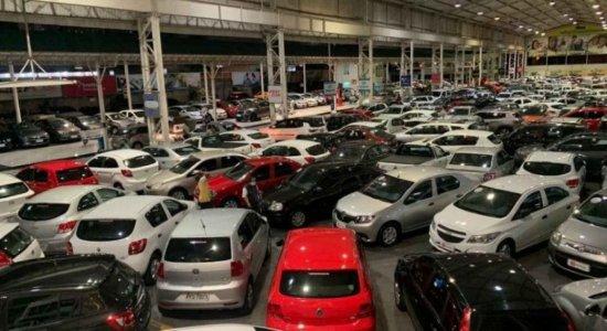 Fim do carro popular? Entenda por que os veículos estão tão caros e veja os preços dos mais vendidos