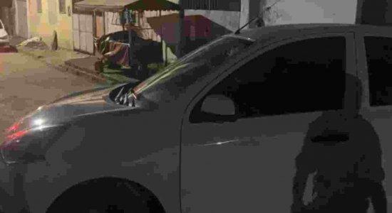 Criminosos atiram contra carro de família, matam homem e atingem filha dele, de 6 anos, na Zona Norte do Recife