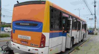 Com braço para fora da janela de ônibus, jovem de 16 anos sofre acidente em Olinda e tem membro amputado no HR
