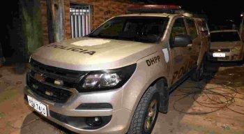 Equips do DHPP estiveram na casa onde a jovem foi assassinada
