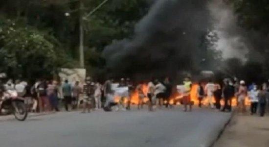 Protestos em vários pontos travam o trânsito no Grande Recife na manhã desta segunda (27); veja situação agora
