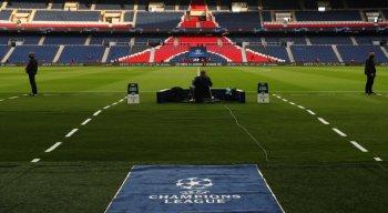 PSG e Manchester City se enfrentam pela UEFA Champions League no Parque dos Príncipes.