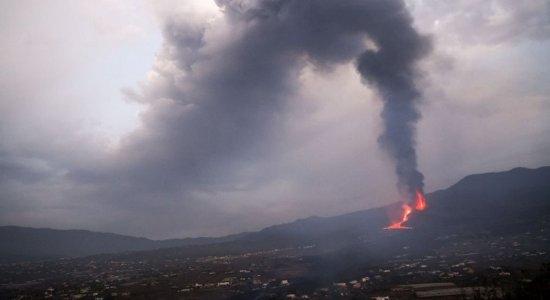 Vulcão Cumbre Vieja: erupção fica mais 'agressiva' e cinzas já chegam a Cuba, na América Central, trazendo riscos à população