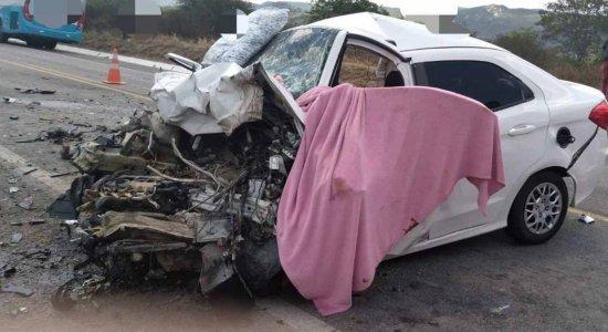 Acidente entre dois carros deixa 6 mortos no Agreste de Pernambuco; criança de 11 anos está entre as vítimas