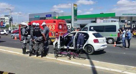 Ciclista morre atropelada após ser atingida por carro no Sertão de Pernambuco; motorista estava dirigindo embriagado