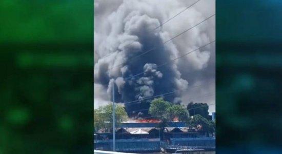 Veja como ficou o Mercado de Artesanato de Itapissuma após incêndio de grandes proporções