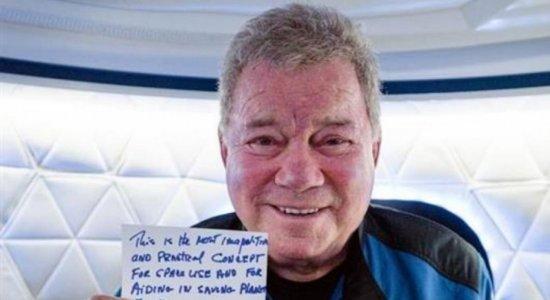 William Shatner, ator de Jornada nas Estrelas, se torna a pessoa mais velha a ir ao espaço