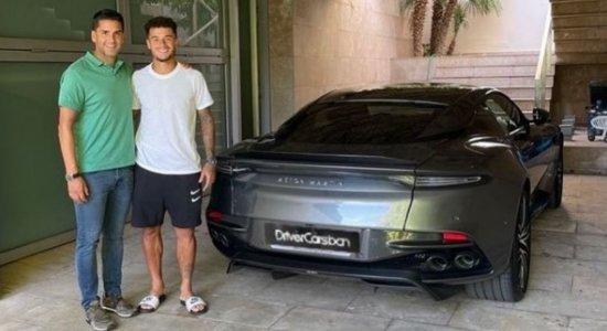 Na mira do Newcastle, Philippe Coutinho compra carro do filme '007' avaliado em R$ 2 milhões