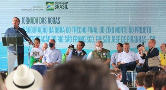 Bolsonaro anuncia apoio para 750 mil caminhoneiros comprarem diesel