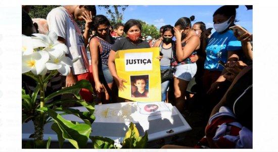 Corpo de menino de 7 anos encontrado em matagal é enterrado sob forte comoção em Paudalho