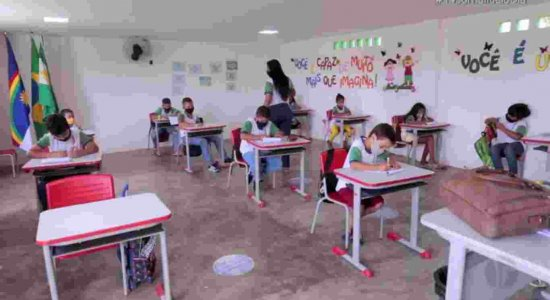 Educação: Aulas remotas também foram desafio para professores durante pandemia de Covid-19