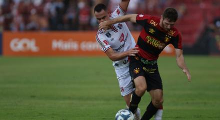 Raul Prata. Lances do jogo Sport X Santa Cruz, válido pela Copa do NOrdeste, na ILha do Retiro.