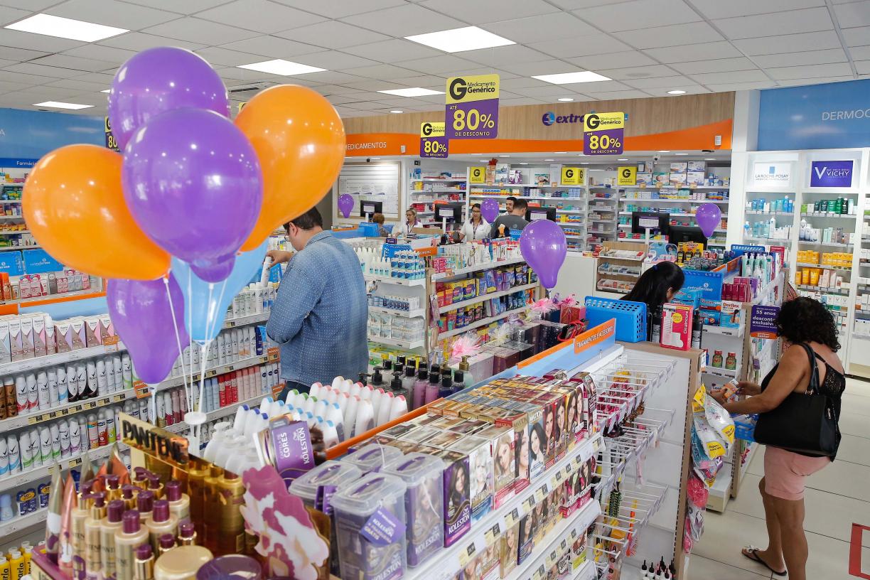 Pesquisa aponta que 75% da população escolhem farmácias pelo preço