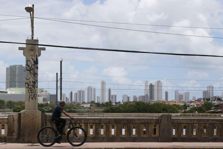 Símbolos do Recife, pontes precisam de mais atenção do poder público