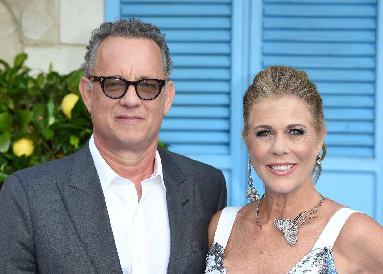 Tom Hanks e esposa voltam aos EUA após contraírem vírus