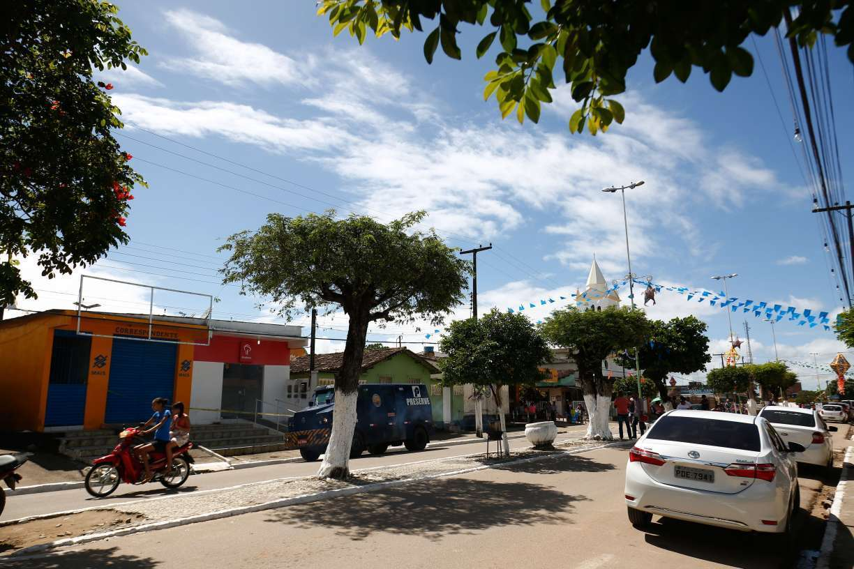 Quer saber qual o município do Grande Recife que mais depende do Bolsa Família?