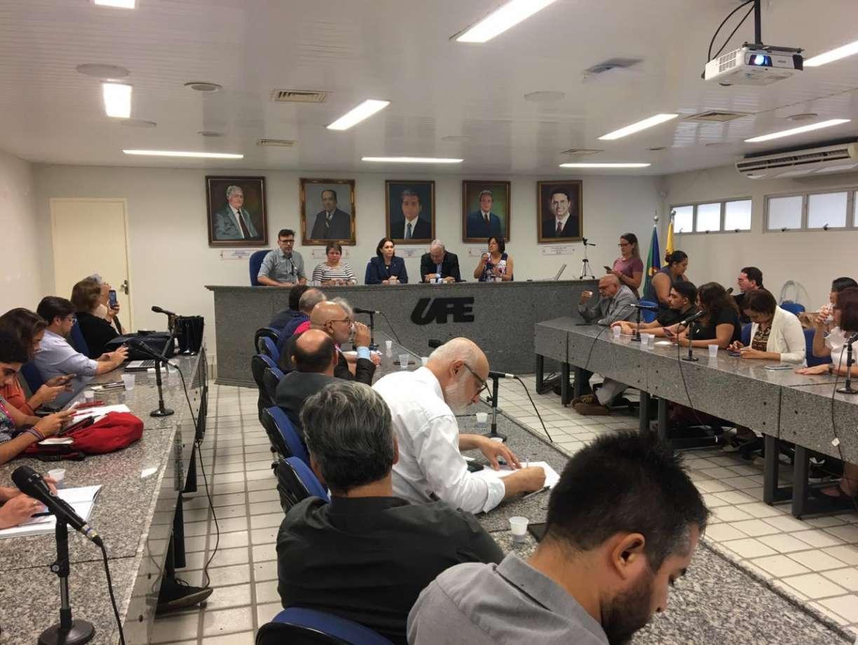 Universidades de Pernambuco confirmam suspensão de aulas a partir de segunda (16)