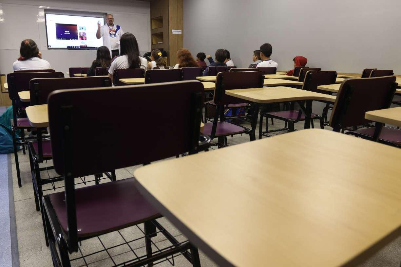 Pais de alunos de escolas particulares intensificam movimento por redução de mensalidades