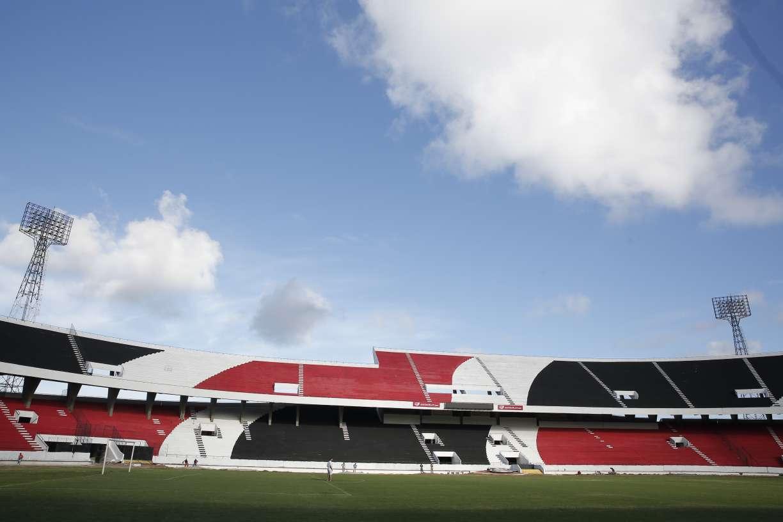 Santa Cruz se prepara para volta do futebol, mas aguarda o cenário de saúde