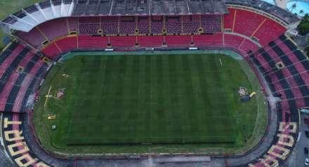 Foto: Arnaldo Carvalho/JC Imagem Data: 13-3-2018 Assunto: ESPORTES- Vista aéra do Estádio da Ilha do Retiro, campo do Sport Futebol Club. Palavras-chaves - Futebol - Gramado - Campo de Futebol -