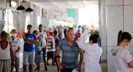 Doença - Remédio - Vacina - Pandemia - Cuidados - Idoso - Coronavírus
