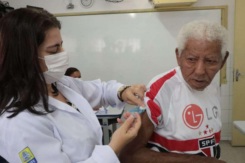 Idosos no Brasil com planos de saúde já somam 6,6 milhões e pressionam custo das mensalidades após a covid-19