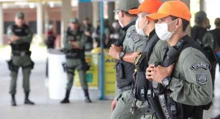 FOTO: BRUNO CAMPOS/JC IMAGEM DATA: 25.03.2020 ASSUNTO: POLÍCIA MILITAR OPERAÇÃO TERMINAIS INTEGRADOS CORONAVÍRUS.