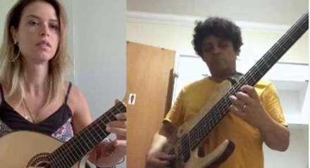 Bia e Hélio fazendo música para amaciar a quarentena
