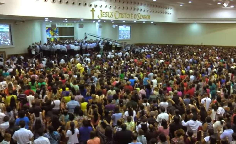 Justiça suspende decreto de Bolsonaro que autorizava funcionamento das igrejas e lotéricas em tempos de coronavírus