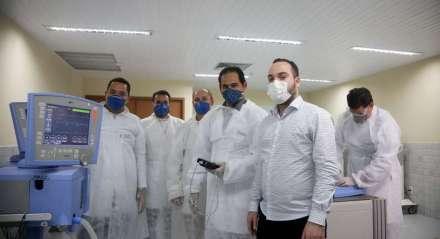 02.04.2019 - RESPIRADORES - Professores do Senai Santo Amaro(PE) estão consertando os respiradores de diversos hospitais do Estado.